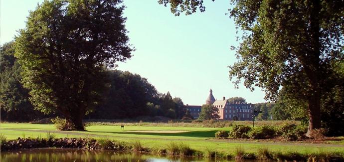 1 Greenfee-Gutschein im Golfclub Wasserburg in Isselburg-Anholt