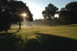 Greenfee inkl. 3-Gang Menü im Land Golf Club Schloss Moyland in Bedburg-Hau