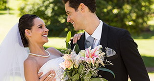 Your wedding at the Niederrhein. Find everything for your Niederrhein dream wedding - from the venue to the wedding dress